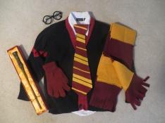 Derek's outfit - Harry